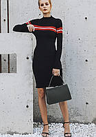 Вязаное женское платье с горловиной, облегающее