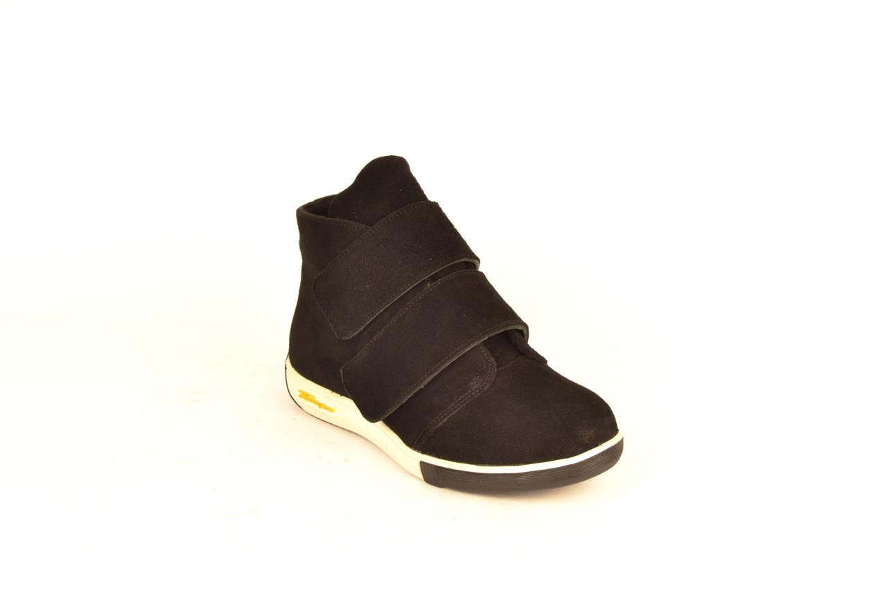 Ботинки женские без каблука на липучке замшевые черные зимние и демисезонные от производителя KARMEN 253121