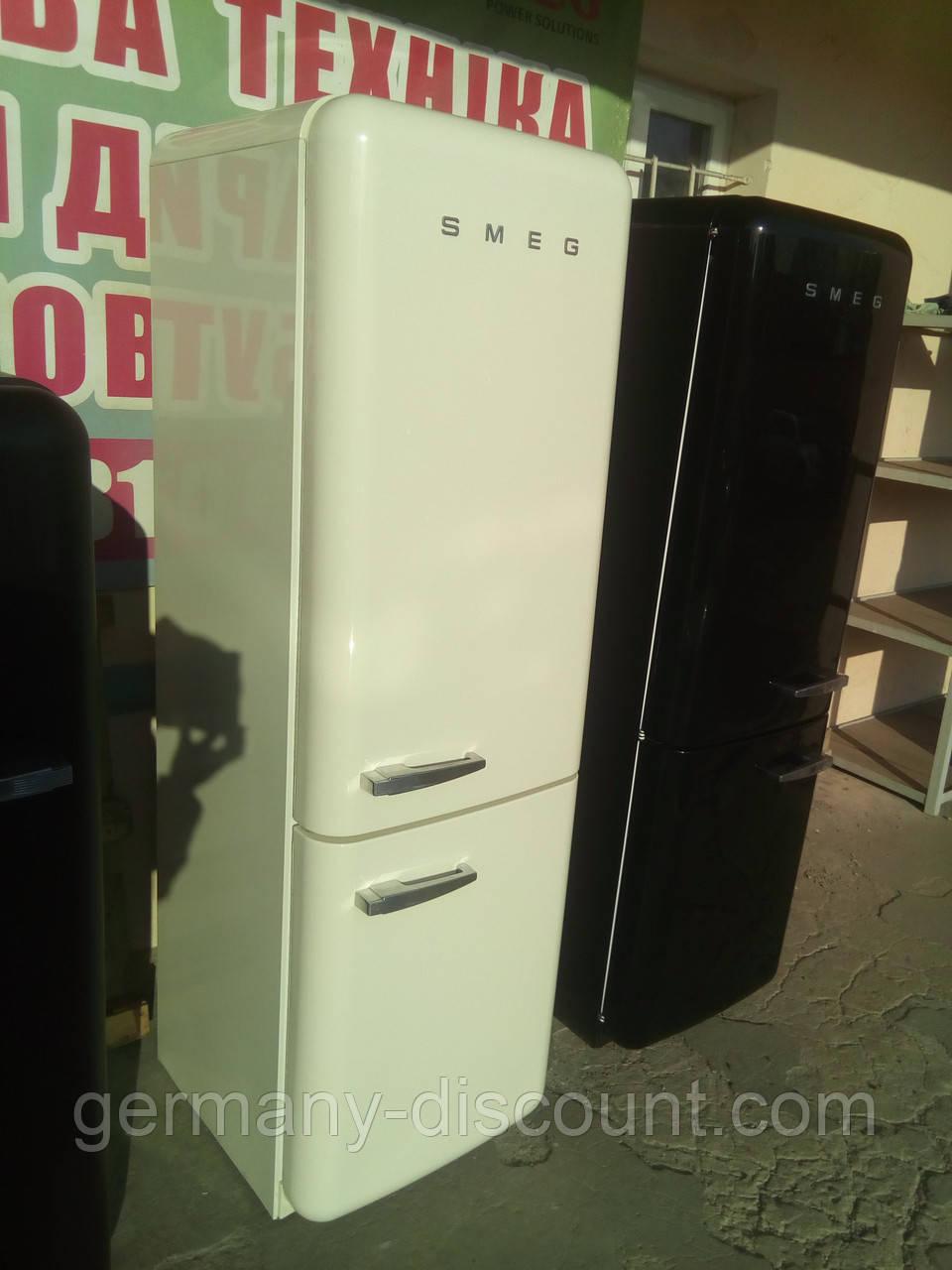 Двокамерний холодильник Smeg FAB 32 RPN1