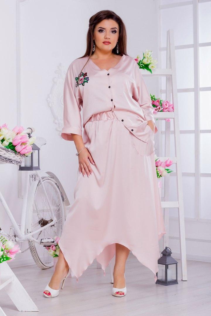 Женская шелковая блузка больших размеров от 46 до 58 декорирована аппликацией арт 508/1-217
