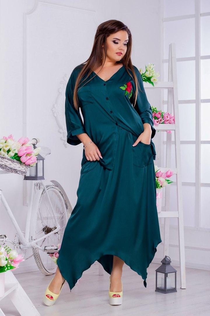 Женская шелковая блузка больших размеров от 46 до 50 декорирована аппликацией арт 509/1-217
