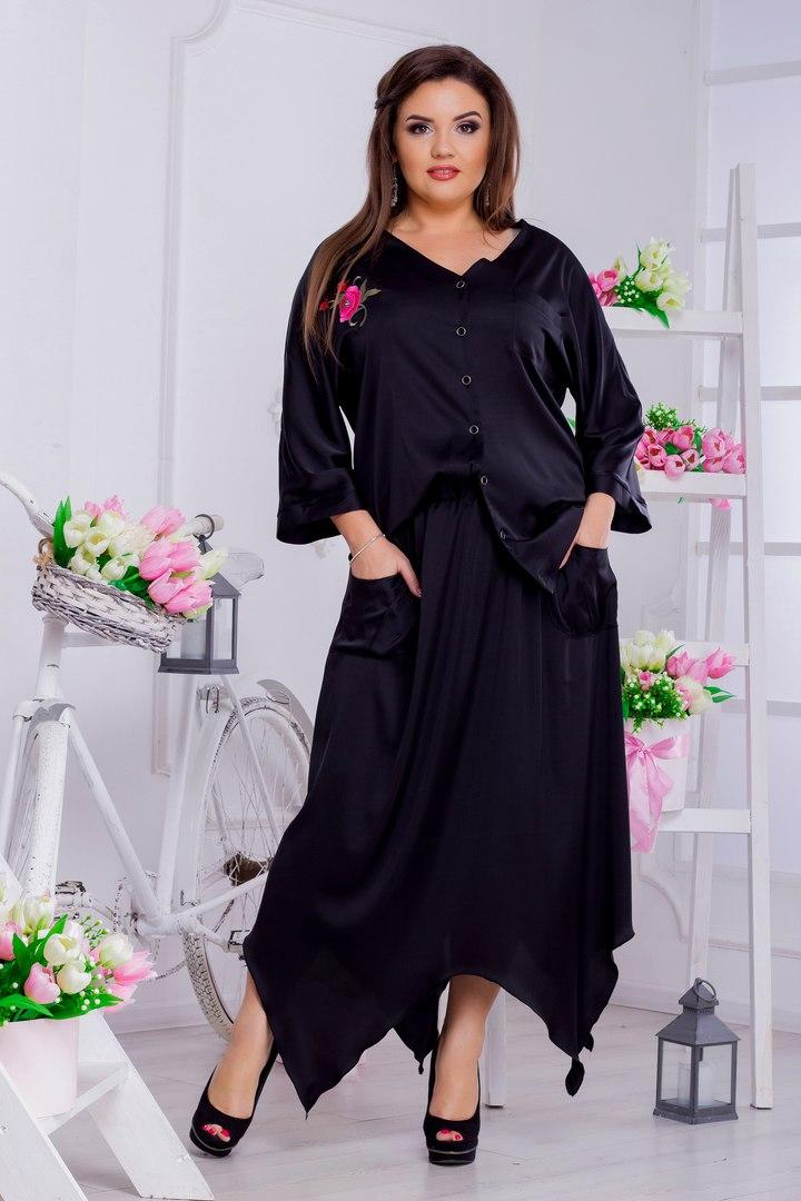 Женская шелковая блузка больших размеров от 46 до 50 декорирована аппликацией арт 510/1-217