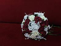 Свадебный букет-дублер из роз бордовый с белым и айвори