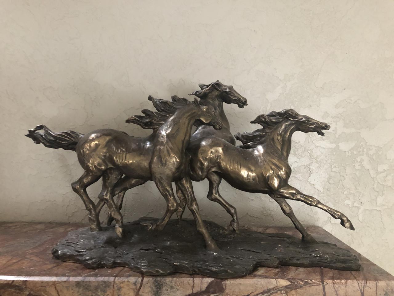"""Статуэтка из бронзы MCA Vizyon """"Скачущие лошади"""""""