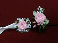Свадебные бутоньерки (бутоньерка на пиджак и цветочный браслет) из пион розовые