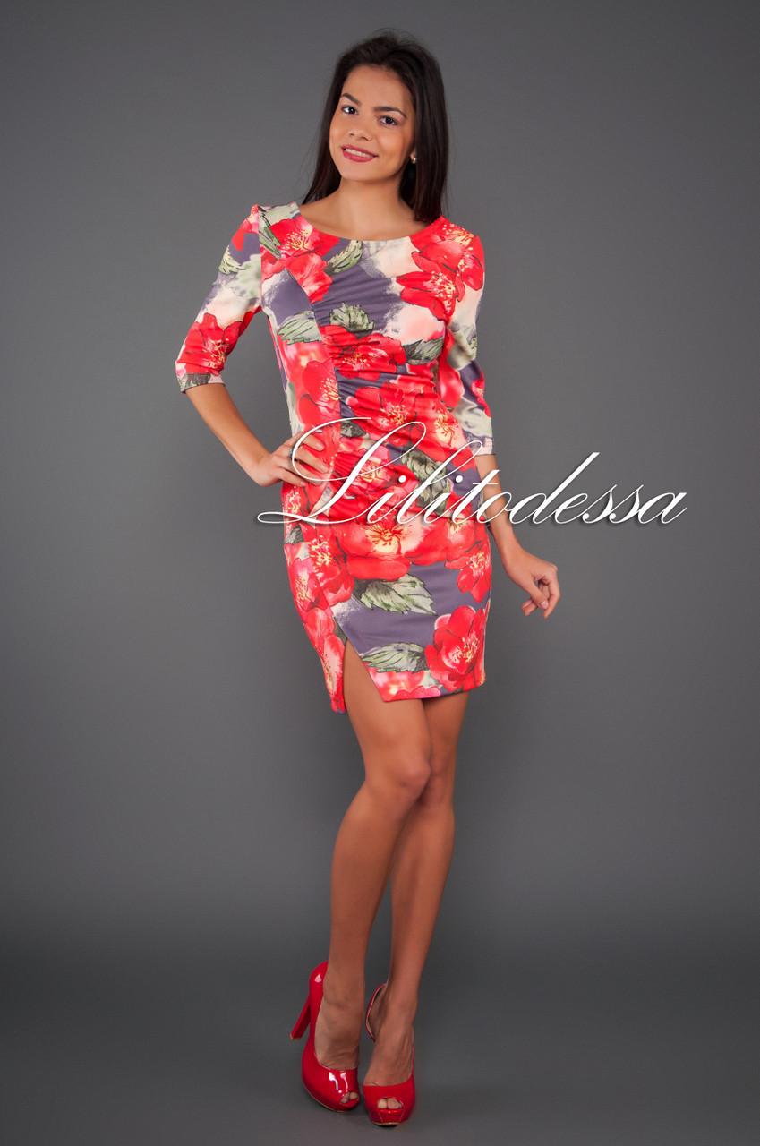 Платье с полуоткрытой спинкой