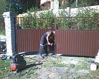 Бетонирование столбов для распашных ворот