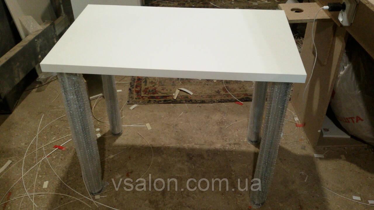 Стол маникюрный стационарный на металлических ножках V331