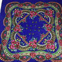 Женский головной платок тёплый с розовыми цветами на синем, 75х75 см