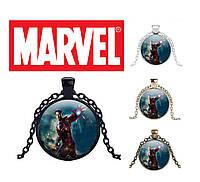 Кулон с Тони Старком в бою Marvel
