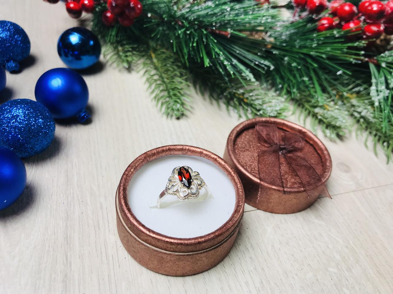 Серебряное кольцо 925 проба с гранатом