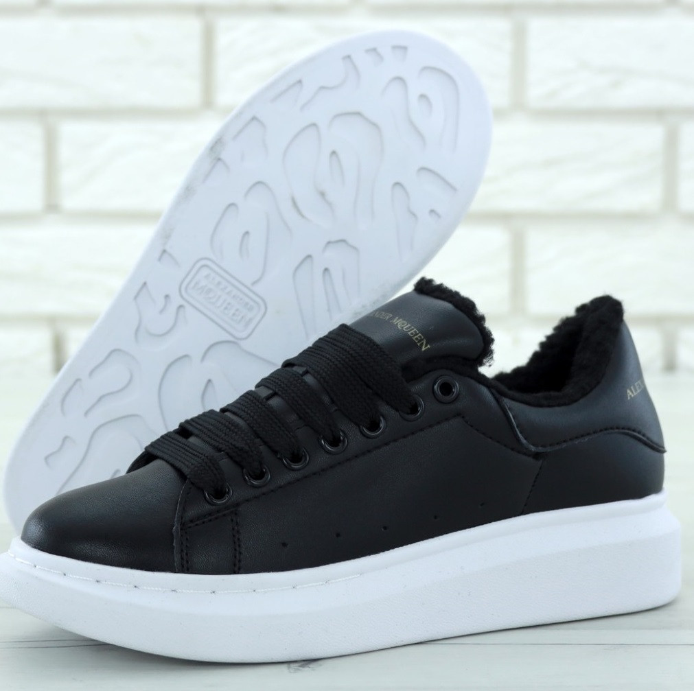 Женские зимние кроссовки Adidas Alexander McQueen Oversized Sneaker Black  White FUR. Живое фото (Реплика d1e3fb8c84d7c