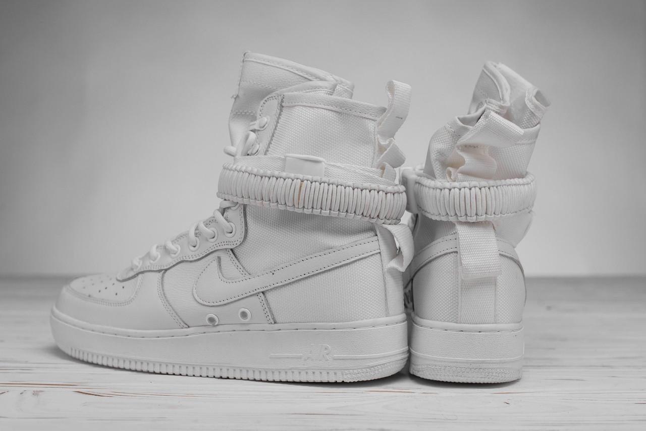 Мужские кроссовки Nike белые топ реплика