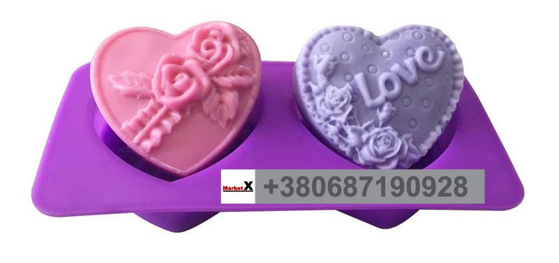 Харчова силіконова форма серце з трояндами і словом Love