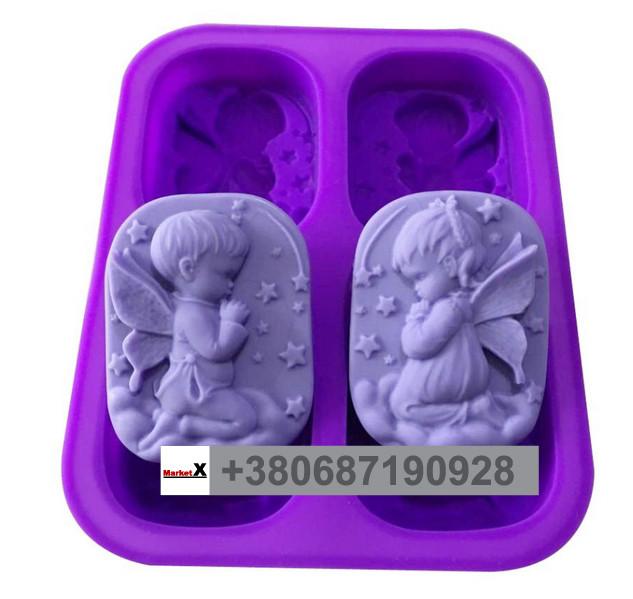 Пищевая силиконовая форма овальная с узором девочки и мальчека Angel