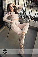 Трикотажный стильный женский костюм с кроп-топом и брюки-чиносы с завышенной талией