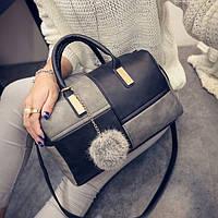 Женская сумка из PU-кожи с подвеской-бубончиком. 30*25*11см
