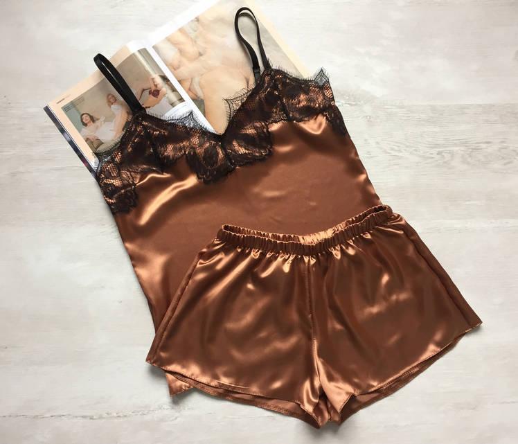 Пижама женская атласная майка и шорты бронза 02