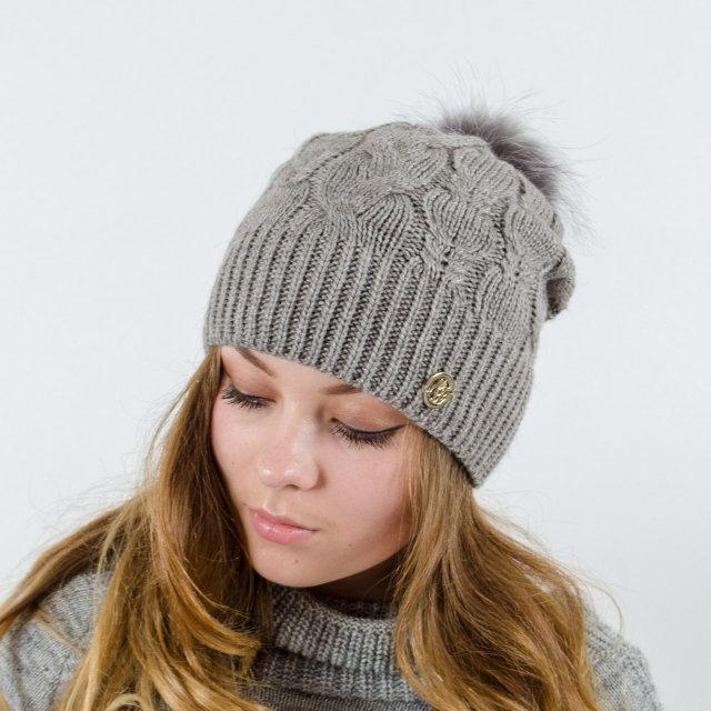 вязаная женская шапка Ruzana с натуральным помпоном продажа цена