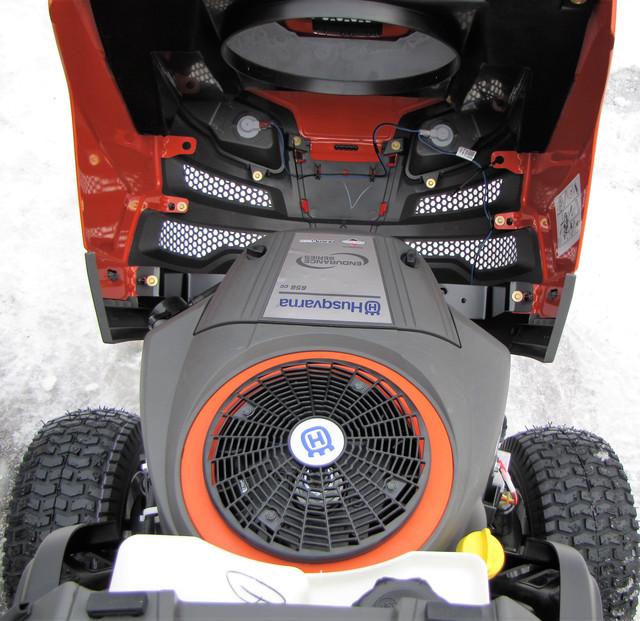 Садовый трактор Husqvarna 239T купить в Украине г. Харьков