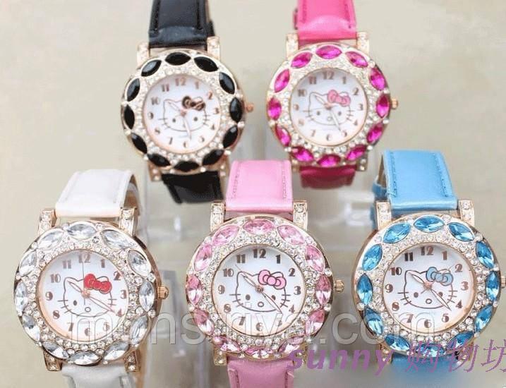 Часы Hello Kitty С КРИСТАЛЛАМИ. Белые , розовые