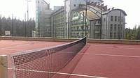 tennisnyj_kort_s_pokrytiem_iz_rezinovoj_kroshki.jpg