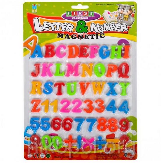 Английские буквы, цифры и знаки на магнитах, 28,5х20,5см.