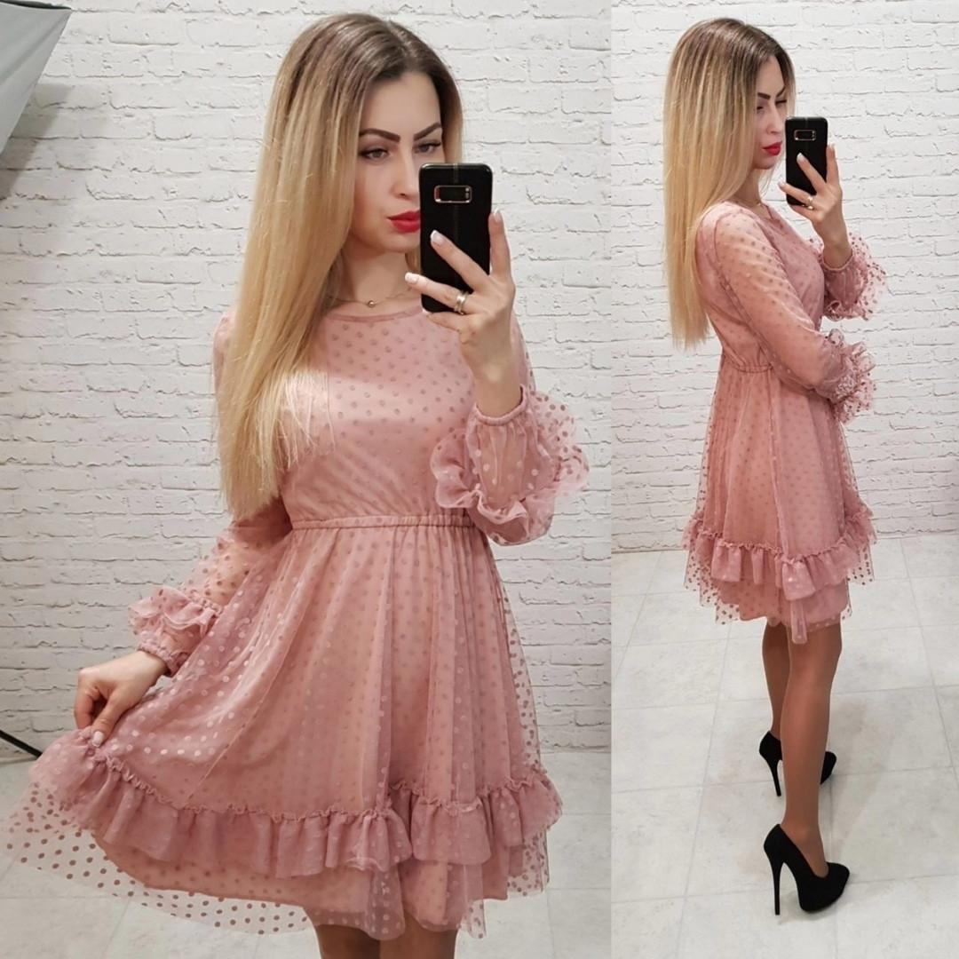 Розовое платье с сеткой
