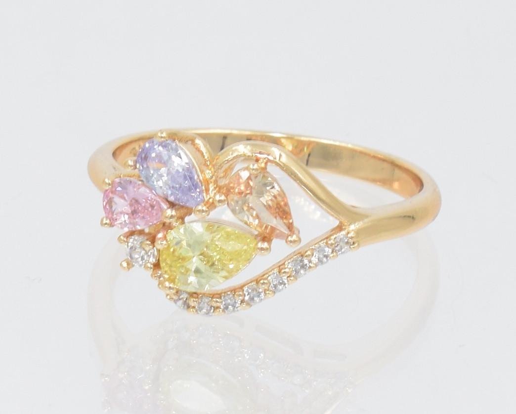 XUPING Кольцо Позолота 18к веточка из нежных разноцветных цирконов Ширина 1,1см Размер 16.5