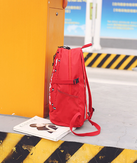 Рюкзак красный сбоку