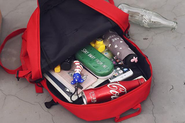 Рюкзак внутри Supreme
