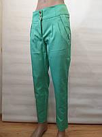 Женские брюки бирюзового цвета