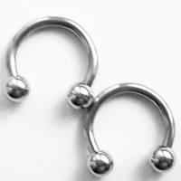 Подкова для пирсинга: диаметр 10 мм, толщина 1.6 мм, шарики диаметр 4 мм . Сталь 316L. , фото 1