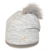 Трендовая женская вязаная шапка с бубоном Chanel светло-серая зимняя молодежная новинка 2018 года реплика