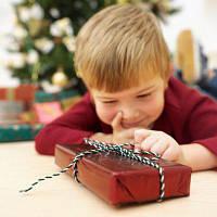 Что подарить ребенку на праздники