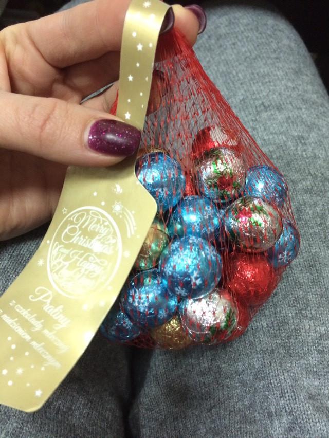 Шоколадные конфеты пралине в сеточке