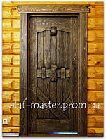 Двери из массива дерева. Двери под старину.