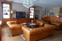 Перетяжка  мебели кожей Днепропетровск.