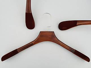 Довжина 44 см. Плічка тремпеля дерев'яні коричневого кольору з антиковзаючим флокованним покриттям на плечах