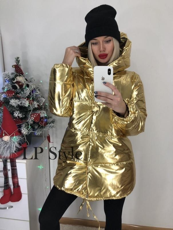 Удлиненная куртка женская зимняя с капюшоном