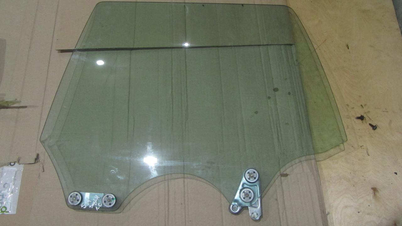 Стекло задней левой двери Subaru Forester S11 62011SA010