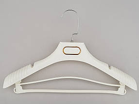 Плечики вешалки тремпеля TZP8830 с антискользящим ребристым плечом белого цвета, длина 38,5 см, фото 2