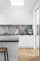 Кухня белая с фрезеровкой в стиле современная классика