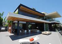Сучасний каркасний будинок