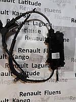 Тросы стояночного тормоза на Renault Laguna III с блоком
