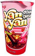 Бисквитные палочки Yan Yan шоколад - клубника