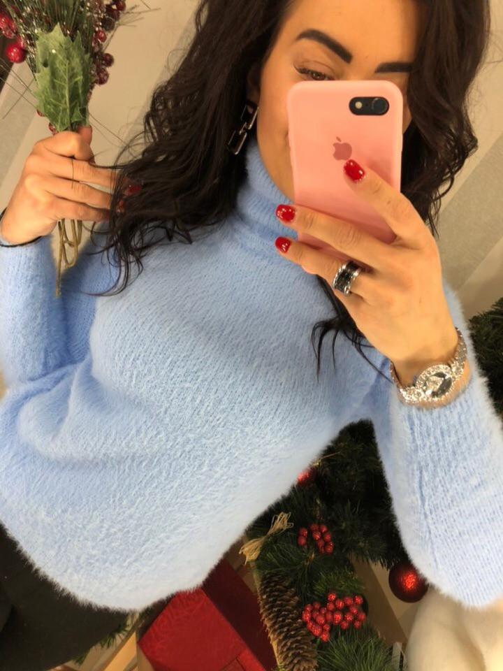 Женский пушистый свитер с высоким горлом  (Фабричный Китай )  Код 0323