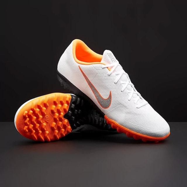 Обувь для футбола (сороканожки) Nike VaporX XII Academy TF