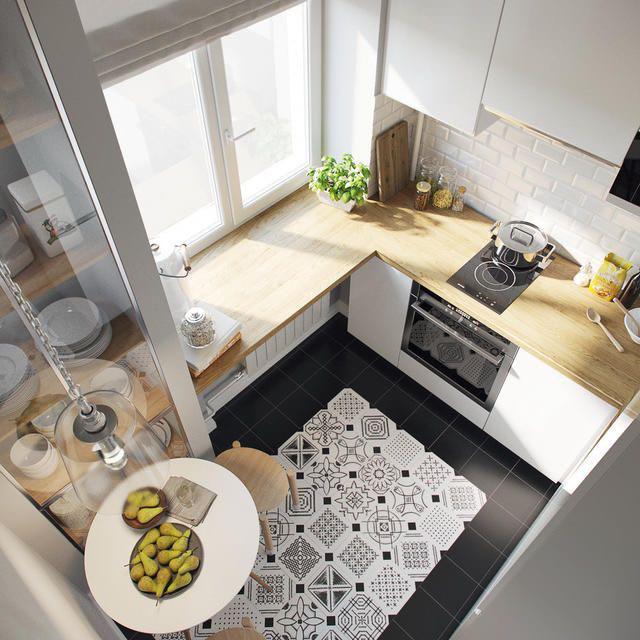 Біла кухня з підвіконням в хрущовці