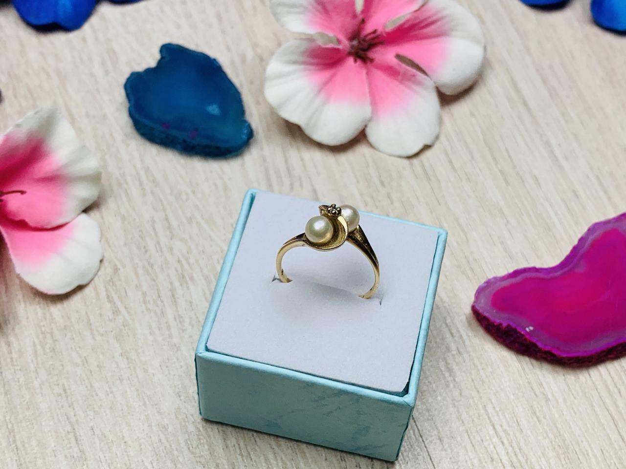 Золотое кольцо 10К (417 проба) с жемчугом и бриллиантом